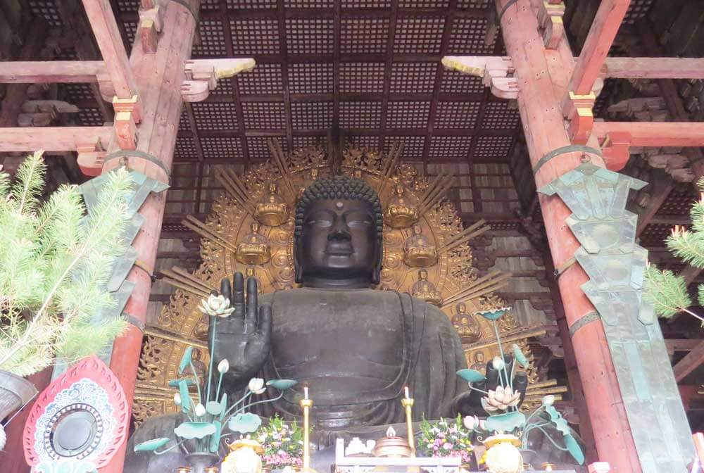 The 15m tall bronze Buddha at Todai-ji