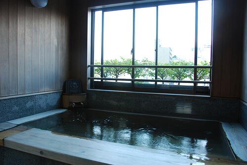 Bath at Ryokan Asakusa Shigetsu | © Maarten1979 via Flickr